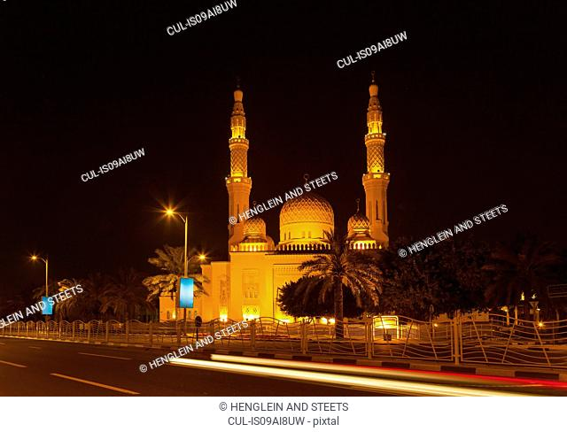 Jumeirah Mosque at night, Dubai, United Arab Emirates