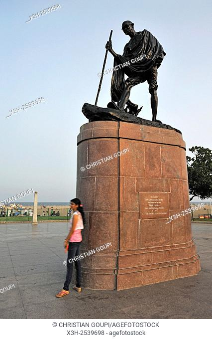 Mahatma Gandhi statue erected on the promenade along Marina Beach, Chennai Madras, Coromandel Coast, Tamil Nadu state, South India, Asia