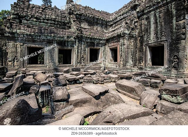 Elaborate stone carving at Lolei Temple in Angkor