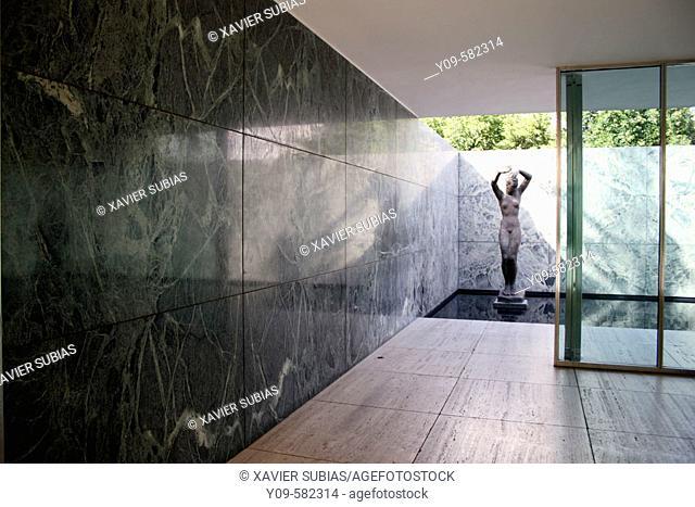 Georg Kolbe sculpture. Mies van der Rohe pavilion. Barcelona, Spain
