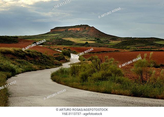 Dirt road in Aragon, Spain