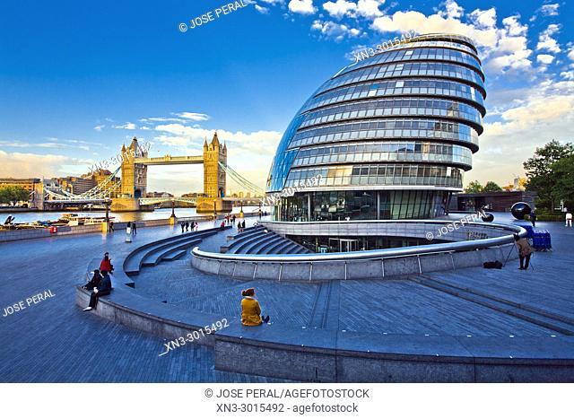 Tower Bridge, London City Hall, City Hall, More London, Riverside Southwark, River Thames, London, England, UK, United Kingdom, Europe