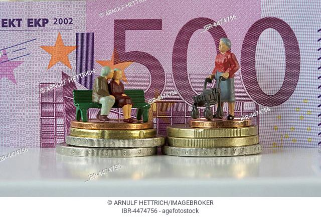Miniature figures, seniors in front of 500 euro note, symbolic image costs in retirement, pension