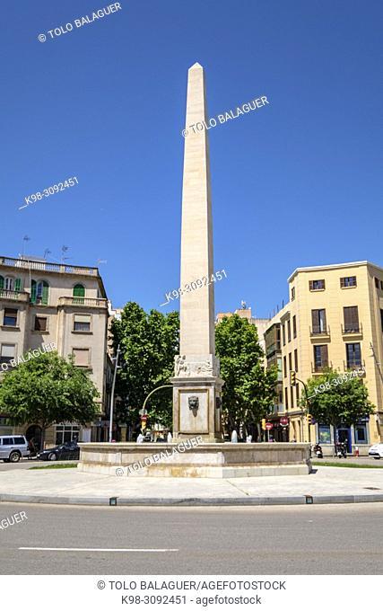 plaza del Cardenal Reig y fuente del Obelisco, Palma, Mallorca, balearic islands, Spain