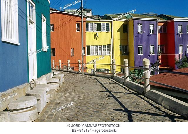 Multicoloured houses in Cerro Bellavista. Valparaíso. Chile