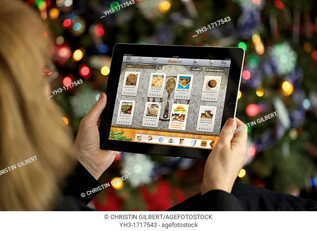 Browsing apps ipad Stock Photos and Images | age fotostock