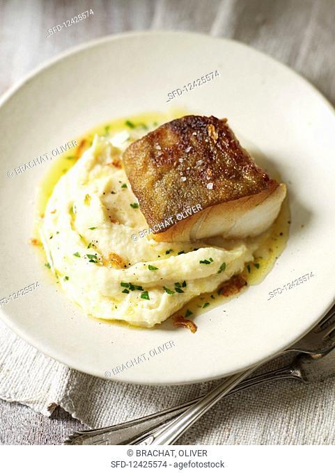 Cod on mashed Hamburg parsley
