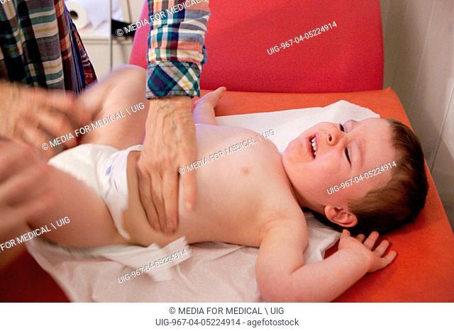 Auscultation child. (Photo Illustration by: Media for Medical/UIG)