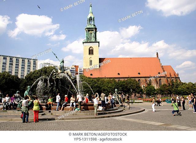 Neptune Fountain and Marienkirche Berlin