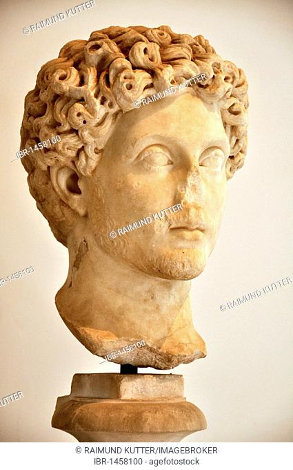 Ancient marble bust of Roman emperor Marcus Aurelius, Museo Palatino, Palatino, Rome, Lazio, Italy, Europe