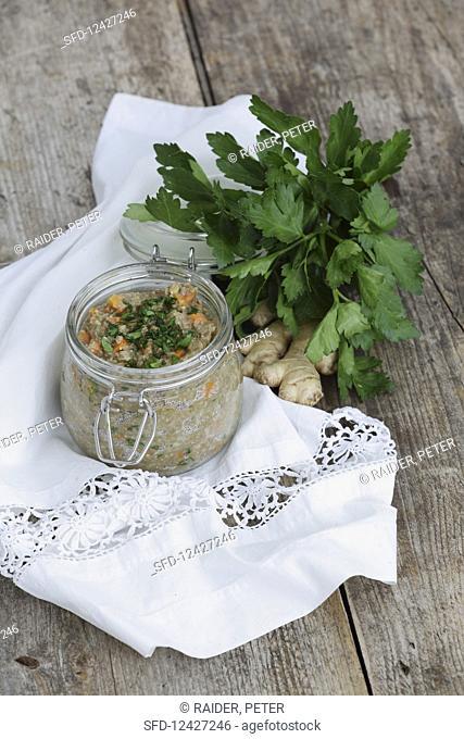 Spelled porridge with carrots and Bertrampulver (five-element-cooking)