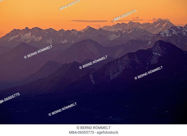 Austria, Carinthia, Gailtaler alps, Dobratsch, on Koschtunik, wide screen, Matschacher Gupf, Karawanken
