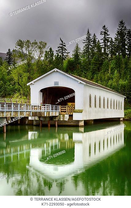 The Lowell Covered Bridge near Cottage Grove, Oregon, USA