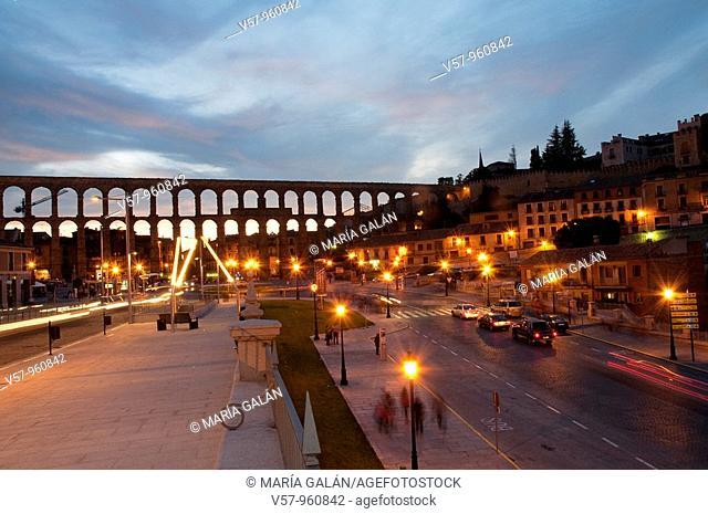 Roman aqueduct from Vía Roma street, night view. Segovia, Castilla Leon, Spain