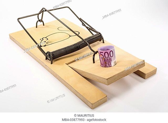 Mousetrap, 500 euros of banknotes, symbolic image, money, finances, dept trap