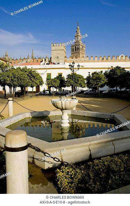 Patio Banderas Cathedral Stock Photos And Images Age Fotostock
