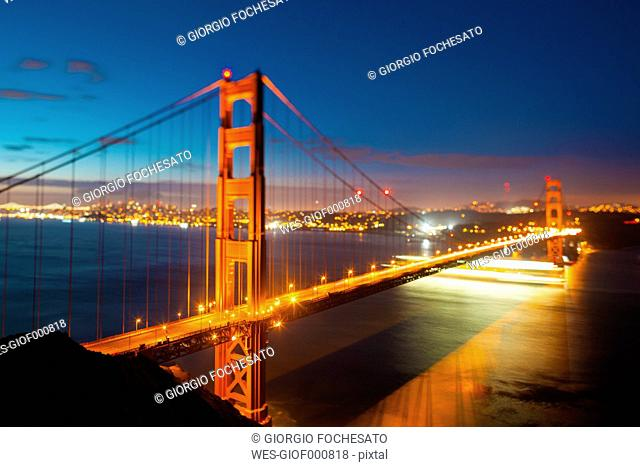 USA, California, San Francisco, Golden Gate Bridge at night