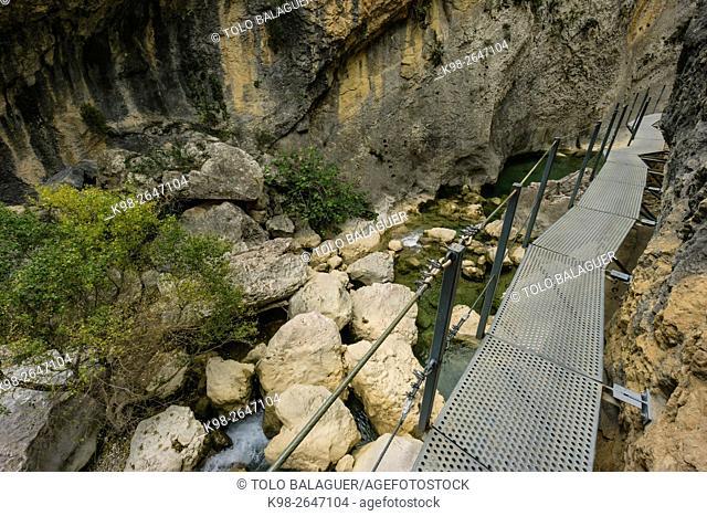 Ruta de las pasarelas (Walkway route), Municipality of Alquézar, Monumento Histórico Artístico Nacional, Comarca de Somontano de Barbastro, Huesca Province