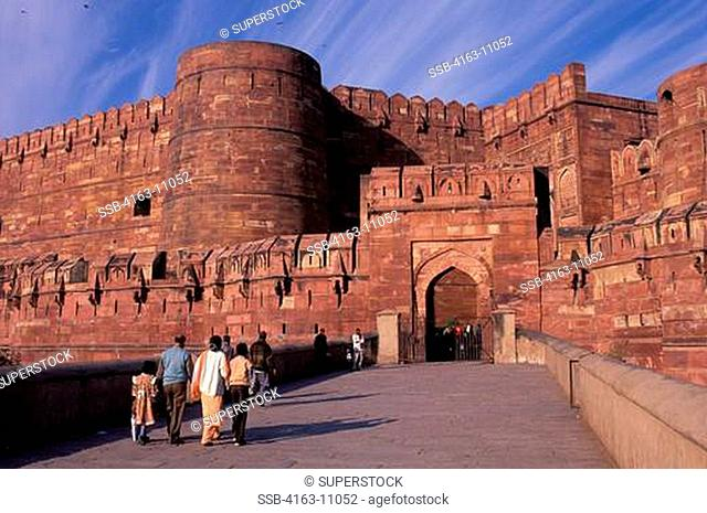 INDIA, AGRA, FORT, RED SANDSTONE WALLS, GATE