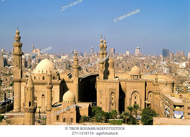 Egypt, Cairo, Mosques of Sultan Hassan and ar-Rifai, skyline