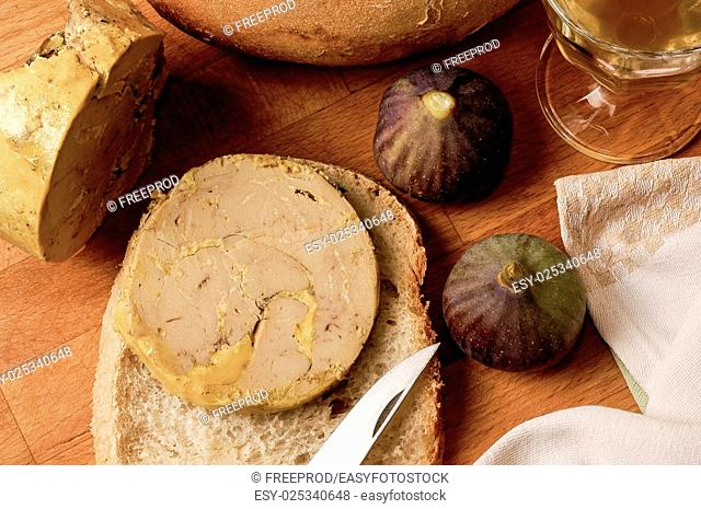 Slice of foie gras, Fig, Bread, Knife, France