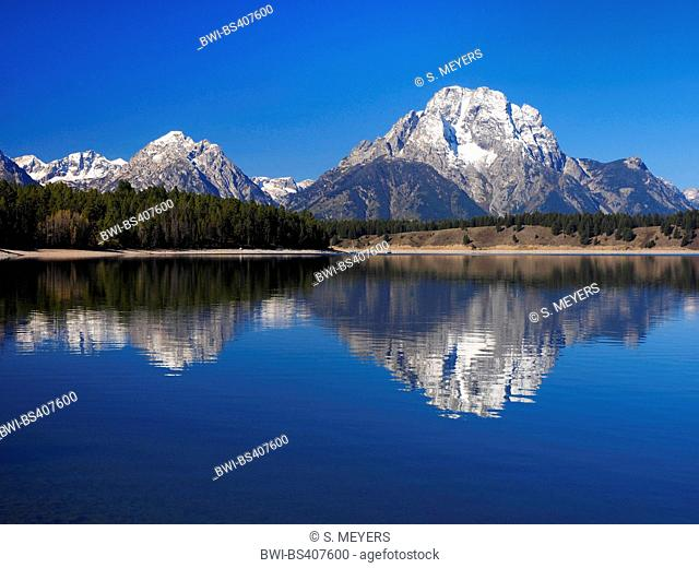 Jackson Lake with Mt. Moran in the background, USA, Wyoming, Grand Teton National Park