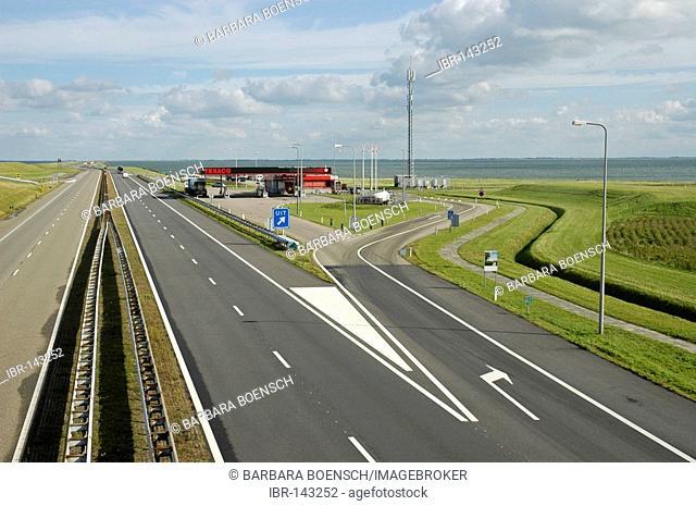 Dyke between the wadden sea and the Ijsselmeer, Netherlands