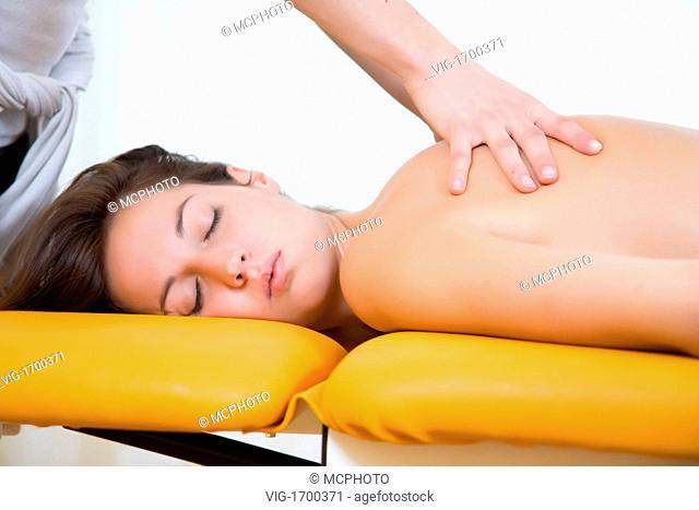 back massage by physio therapist - 24/10/2008