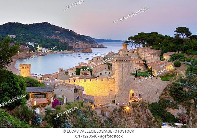 Tossa de Mar  Walls of old city Villa Vella  In background Gran beach Costa Brava  Girona province  Catalonia  Spain