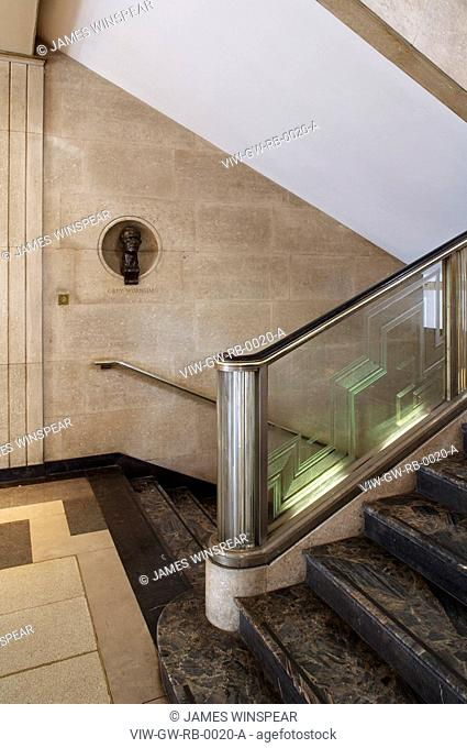 RIBA BUILDING 1934, PORTLAND PLACE, LONDON, W1 OXFORD STREET, UK, GREY WORNUM, INTERIOR, INTERIOR OF STAIR WELL ON GROUND FLOOR
