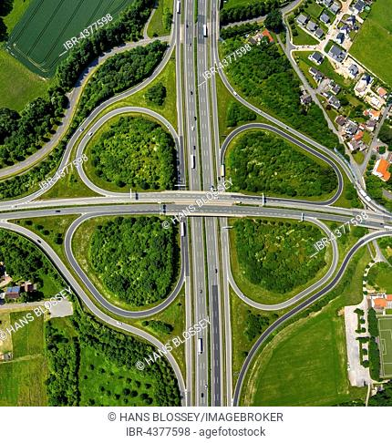 Motorway intersection A2 and main road B239 between Herford and Bad Salzuflen, cloverleaf interchange, highway bridge, North Rhine-Westphalia, Germany