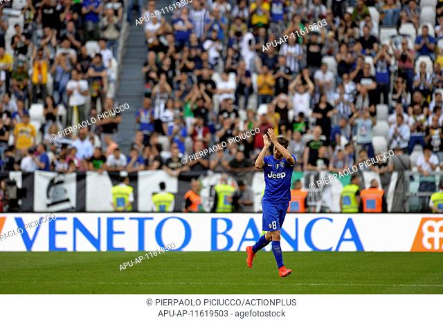 2015 Serie A Football Juventus v Cagliari May 9th. 09.05.2015. Turin, Italy. Serie A Football. Juventus versus Cagliari. A standing ovation accompanies Claudio...