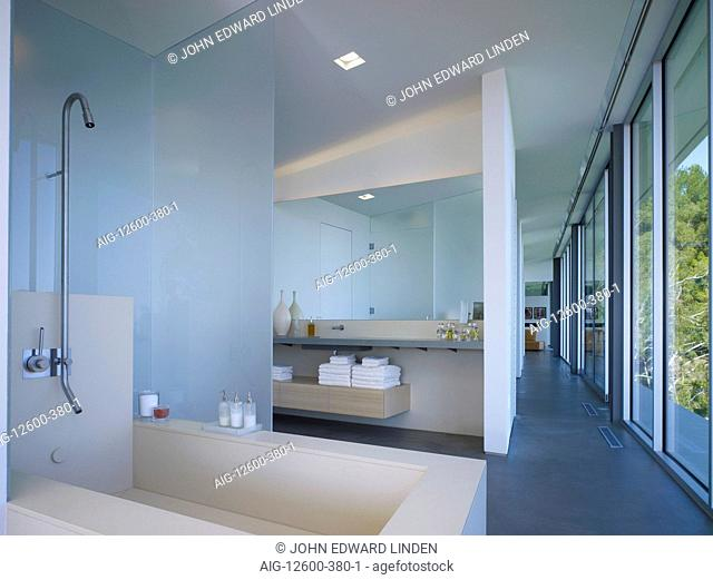 Modern bathroom, Briarcrest House, Beverly Hills, California