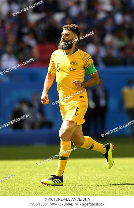 16 June 2018, Russia, Kazan, Soccer, FIFA World Cup 2018, Matchday 1 of 3, France vs Australia in the Kazan Arena: Mark Milligan from Australia