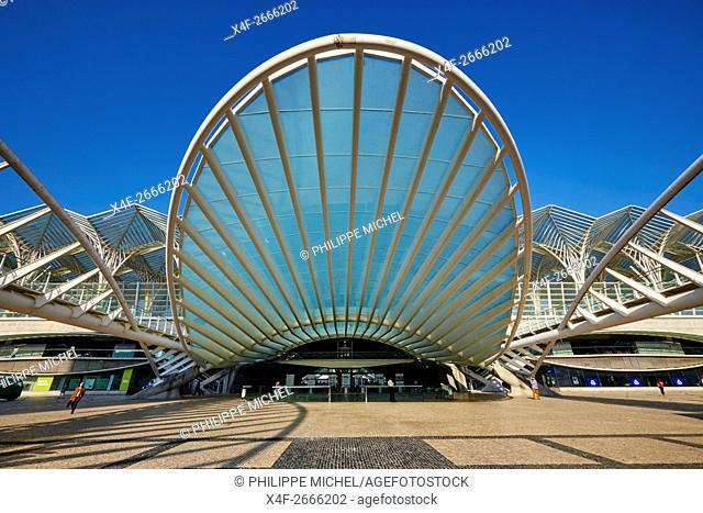 Portugal, Lisbon, Parque das Nações, Park of Nations, Gare do Oriente or Oriente railway station, designed by par Santiago Calatrava and built by Nesco for the...