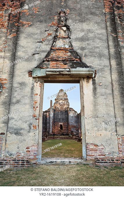 The ancient ruins of Wat Phra Si Rattana Mahathat, Lopburi, Thailand