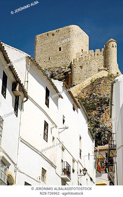 Street and Arab castle, Olvera. Pueblos Blancos ('white towns'), Cadiz province, Andalucia, Spain