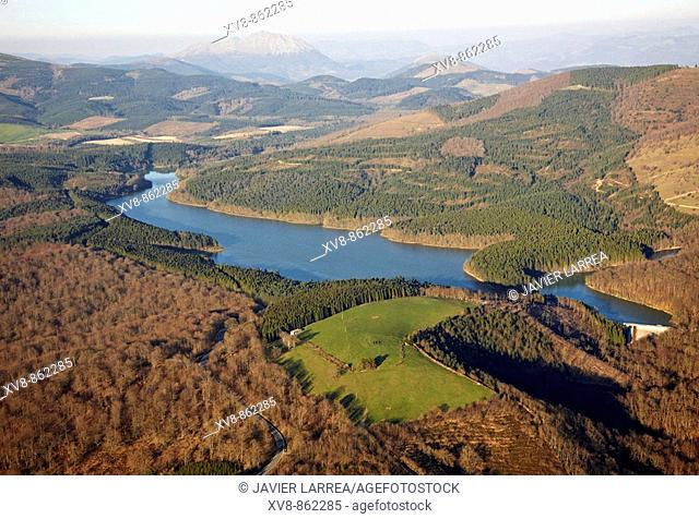 Albina reservoir, Legutiano, Alava, Basque Country, Spain