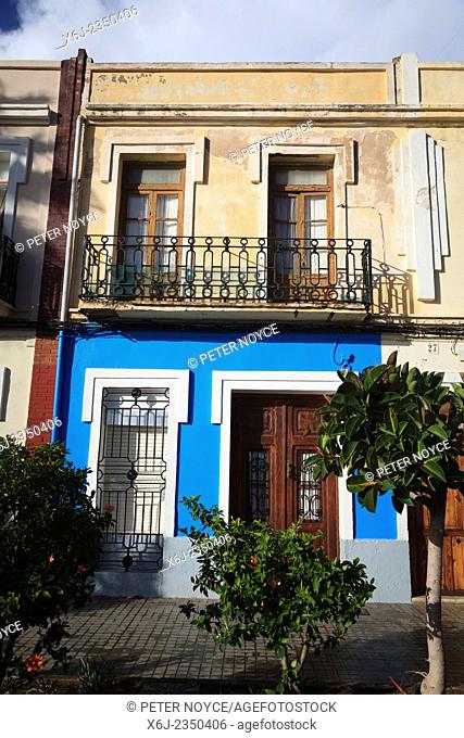 Old spanish characterful terrace house with balcony in Valencia Spain
