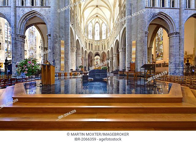 Interior view, Cathedral de San Michel, St. Michael and St. Gudula Cathedral, Place Sainte-Gudule, Brussels, Belgium, Benelux, Europe