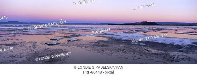 Moonrise Mono Lake CA