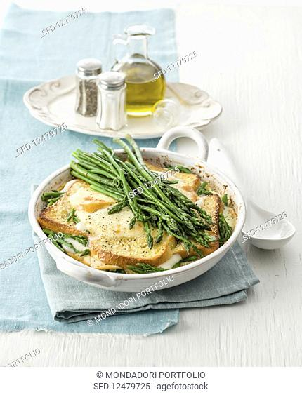 Bread bake with scamorza and green asparagus