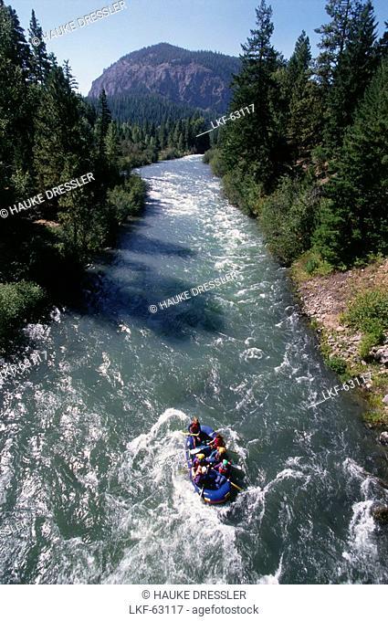 Rafting on Tieton River, Cascades, Washington, USA