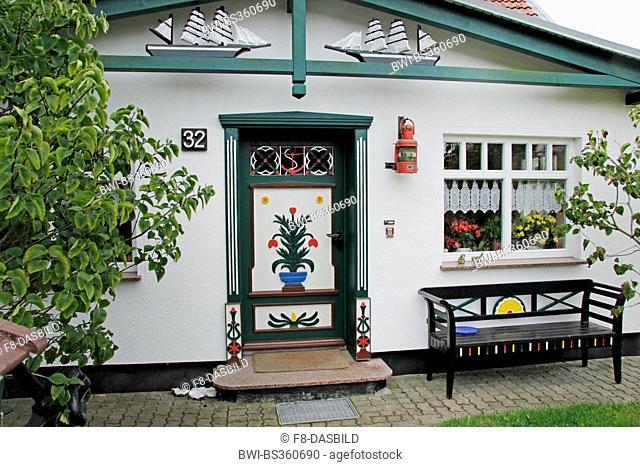 Darss residental building with traditional door, Germany, Mecklenburg-Western Pomerania, Darss, Prerow