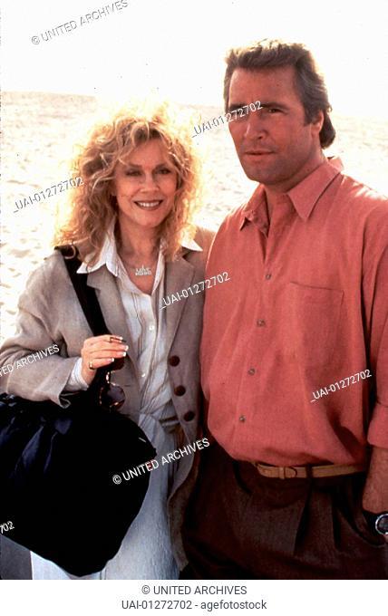 Elizabeth Montgomery, Lee Horsley Edna Buchanan (Elizabeth Montgomery) trifft sich mit Ben Nicholson (Lee Horsley), dem Vater der Vermissten