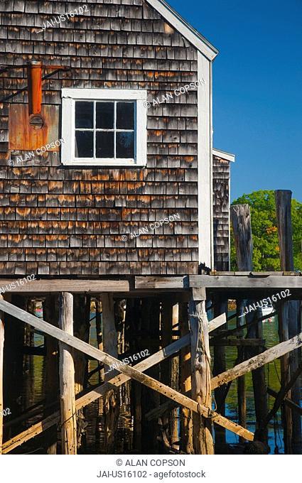 USA, Maine, Pemaquid Peninsular, New Harbor, Lobster Fishing Boats and jetties