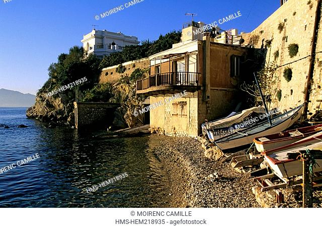 France, Bouches du Rhone, Marseille 7th district, the Corniche, Anse de Maldorme Maldorme Cove