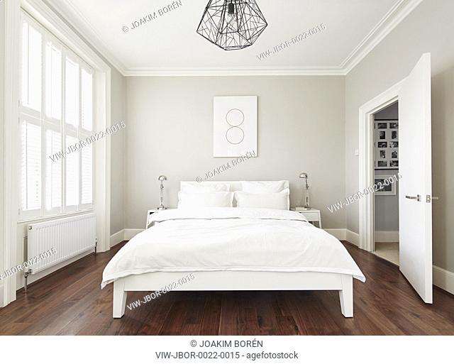 Master Bedroom. Ormond Road, London, United Kingdom. Architect: Mulroy Architects, 2015