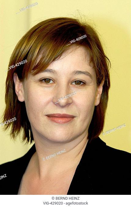 Susanne MOSER ist oesterreichische Betriebswirtschaftlerin und Kulturmanagerin. Sie ist seit 2005 Geschaeftsfuehrende Direktorin an der Komische Oper Berlin