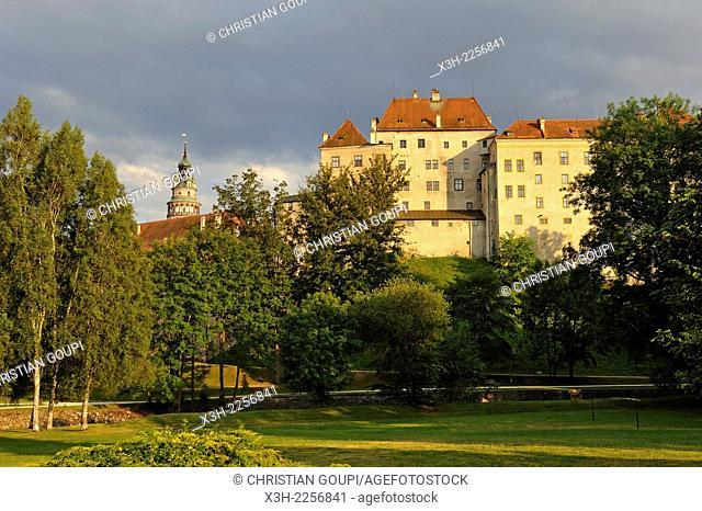 Cesky Krumlov Castle viewed from the Deer Garden Jeleni Zahrada, South Bohemia region, Czech Republic, Europe